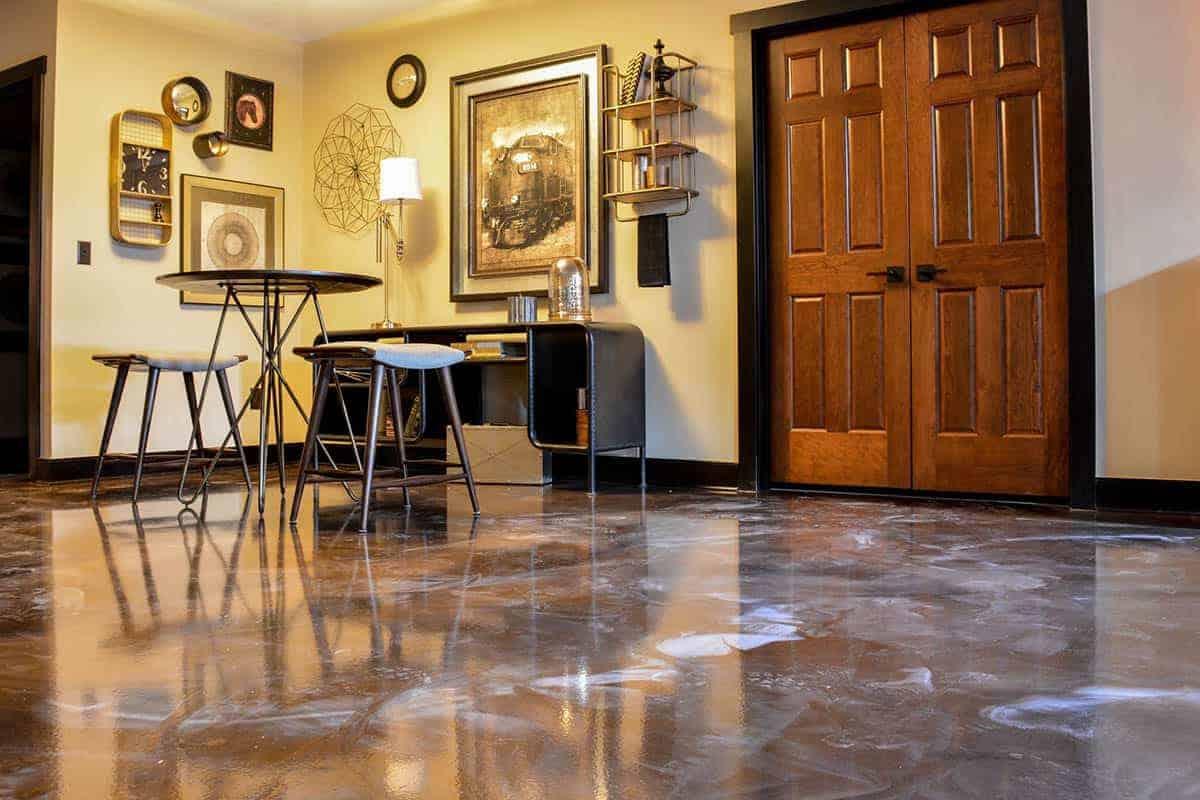 Beautiful interior metallic epoxy flooring in basement